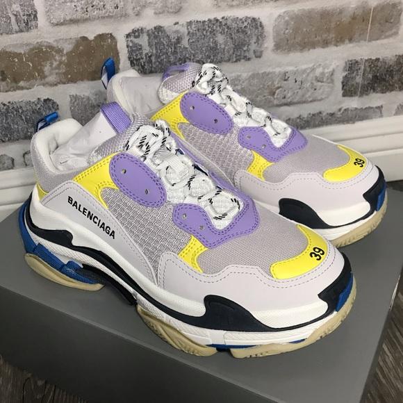 Balenciaga Shoes   Triple S Sneakers 39